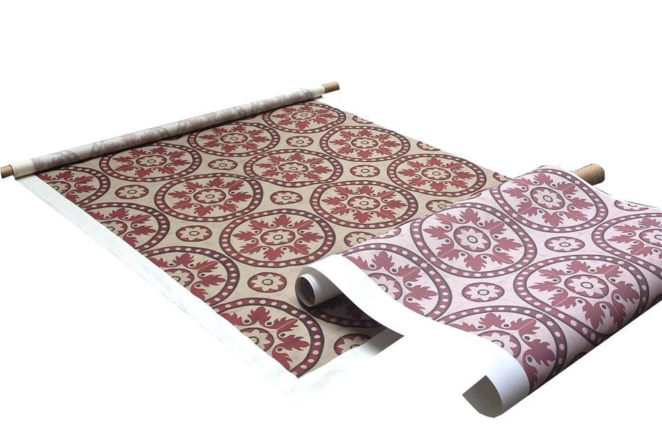 Disegno: Carrellage Red. Prove di stampa su tessuto e wallpaper. - Design: Carrellage Red. Strike off printed on fabric and wallpaper.
